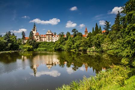 Foto de Castle with reflection in pond and blue sky - Pruhonice, Czech Republic - Imagen libre de derechos