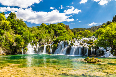 Photo pour Beautiful Skradinski Buk Waterfall In Krka National Park - Dalmatia Croatia, Europe - image libre de droit