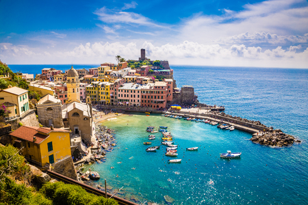 Photo pour Amazing View Of Vernazza - Cinque Terre, La Spezia Province, Liguria Region, Italy, Europe - image libre de droit