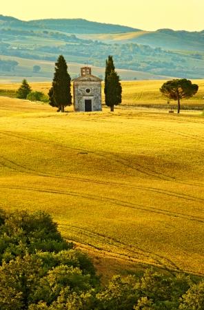 Photo pour Vitaleta Chapel, Tuscany - image libre de droit