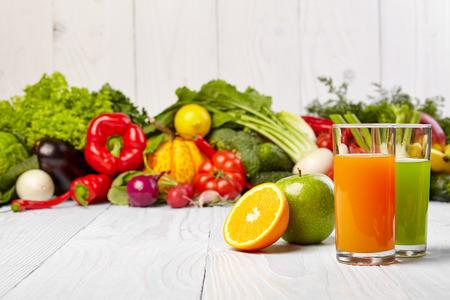 Photo pour Various Freshly Vegetable Juices for Detox - image libre de droit