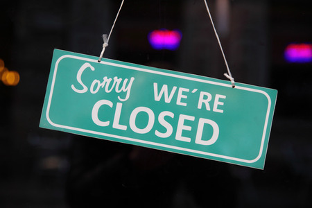 Photo pour Closed sign. (Sorry we are closed) - image libre de droit