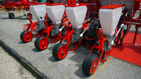 Photo pour Agricultural cultivator for the processing of land, when used makes the work easier and improves the yield - image libre de droit